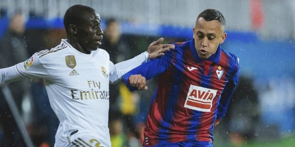 Real Madrid humilla al Eibar de Fabian Orellana y alcanza la punta de la Liga Española