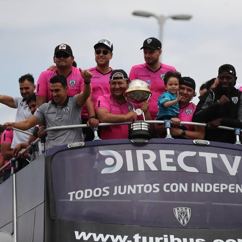 Liga de Quito golpea dos veces en la primera final