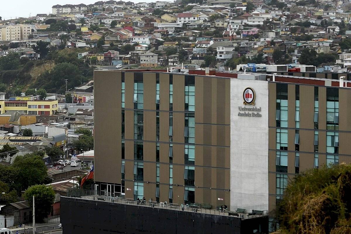 Universidad Andrés Bello aclara que académico que disparó en Reñaca ya no hace clases en su institución - Publimetro Chile