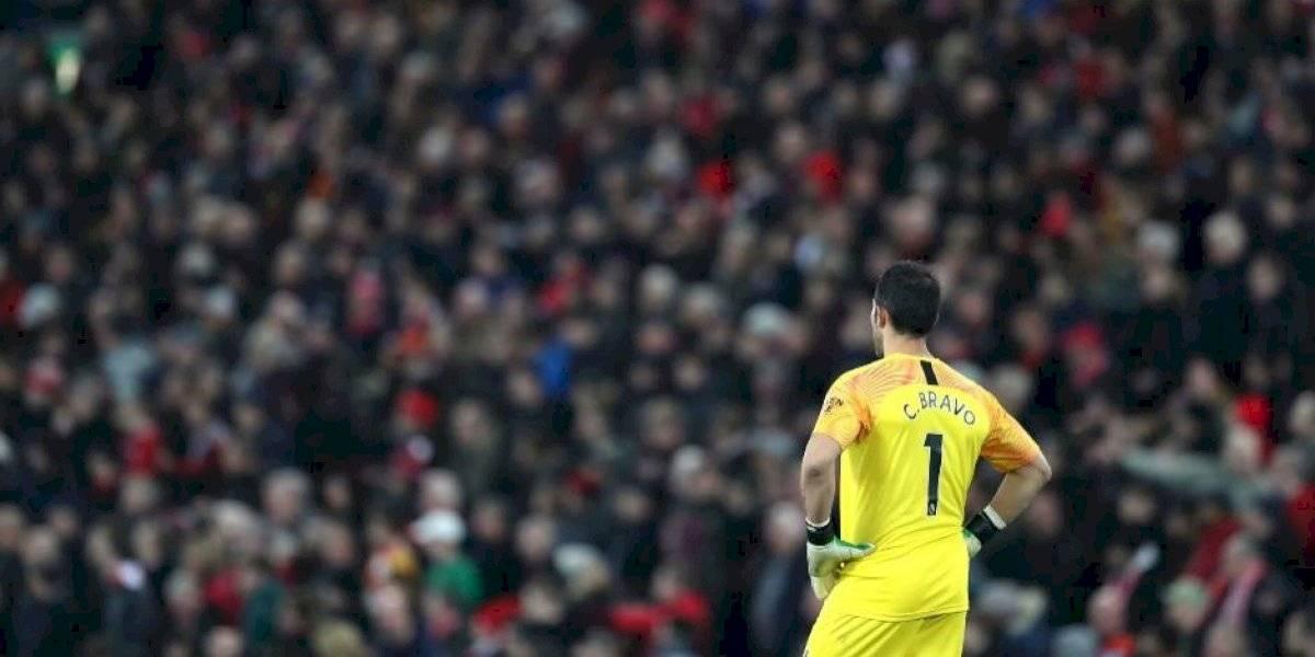 """""""El eslabón más débil"""": Prensa inglesa le dio con todo a Bravo tras la derrota del Manchester City ante Liverpool"""