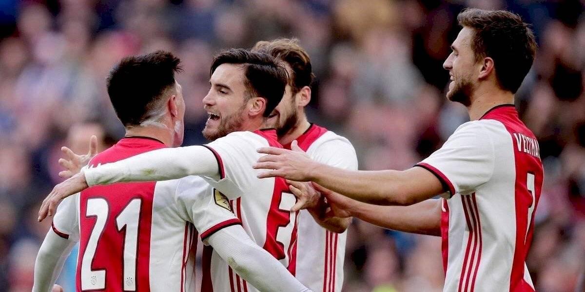 Ajax sigue firme en liderato de Eredivisie al golear a Utrecht