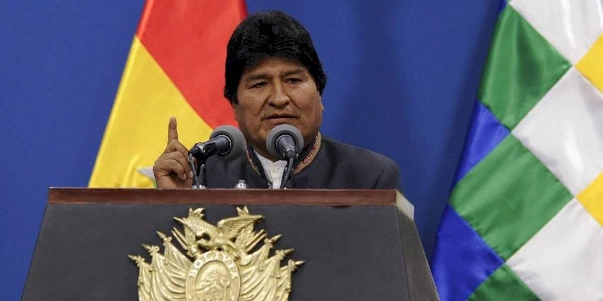 Avión que traslada a Evo Morales a México hizo escala en Paraguay