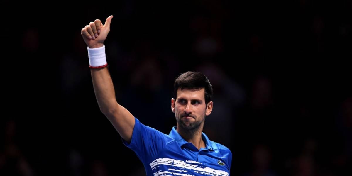 Djokovic tiene un debut triunfal en las Finales ATP