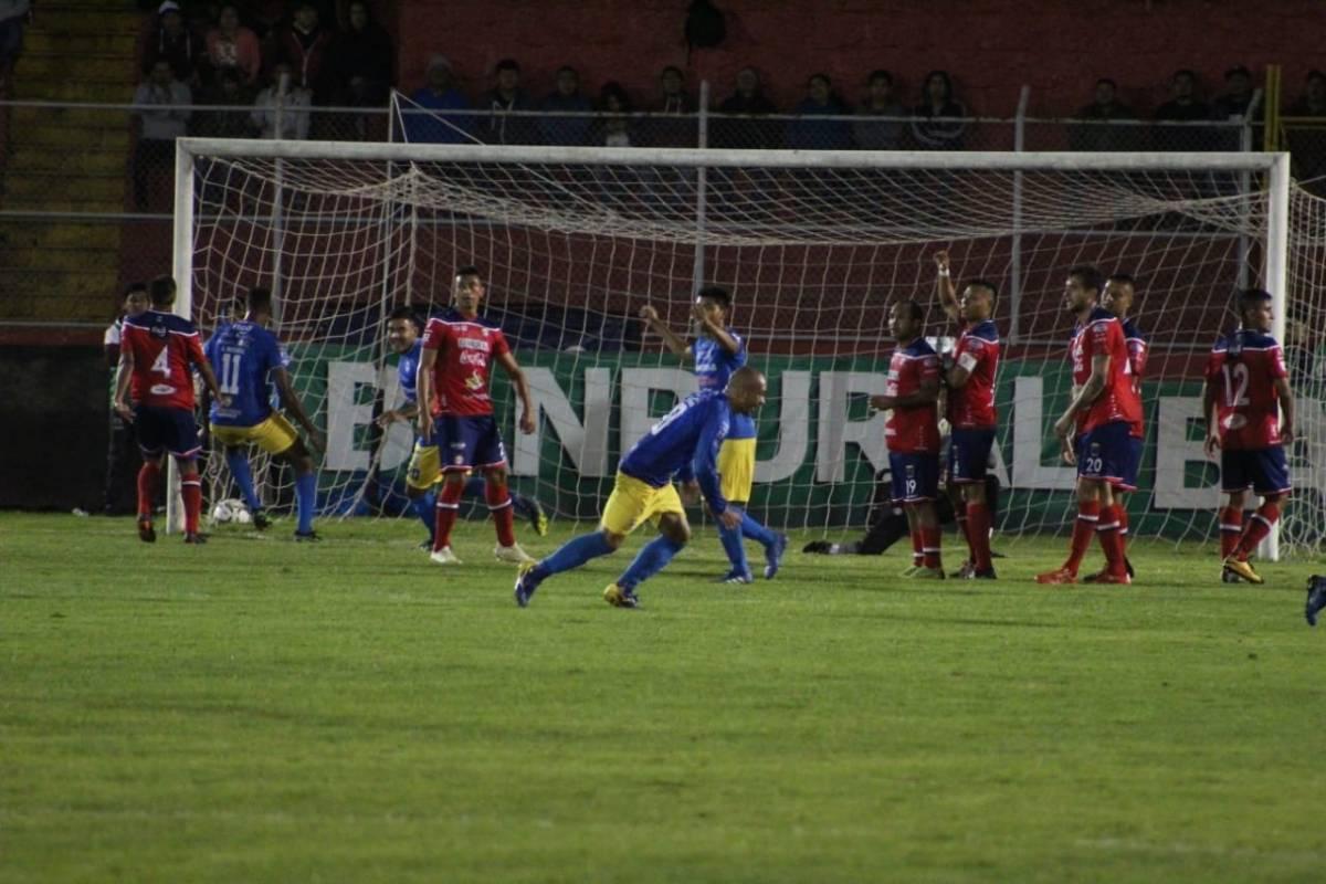 Resultado Xelajú vs Cobán Imperial por la fecha 17 del Apertura 2019 - Publinews Guatemala