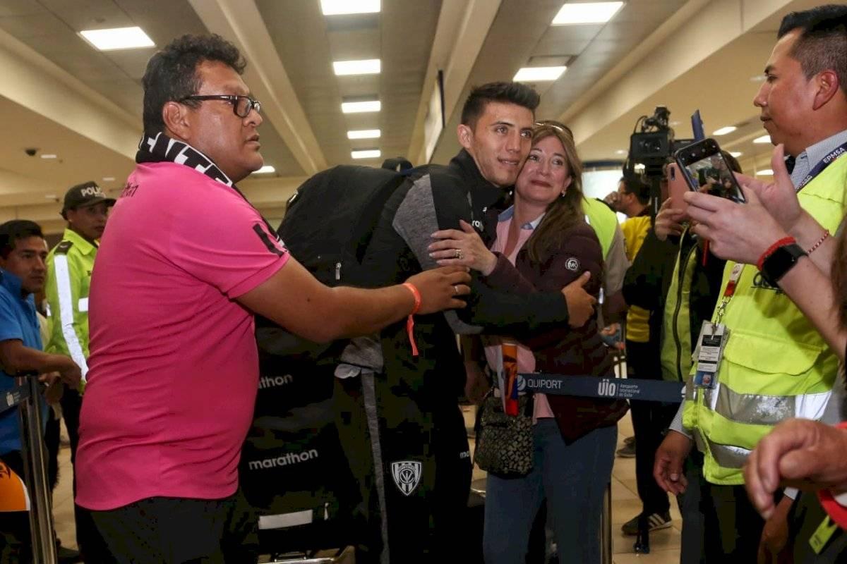 Jugadores de IDV llegan a Quito