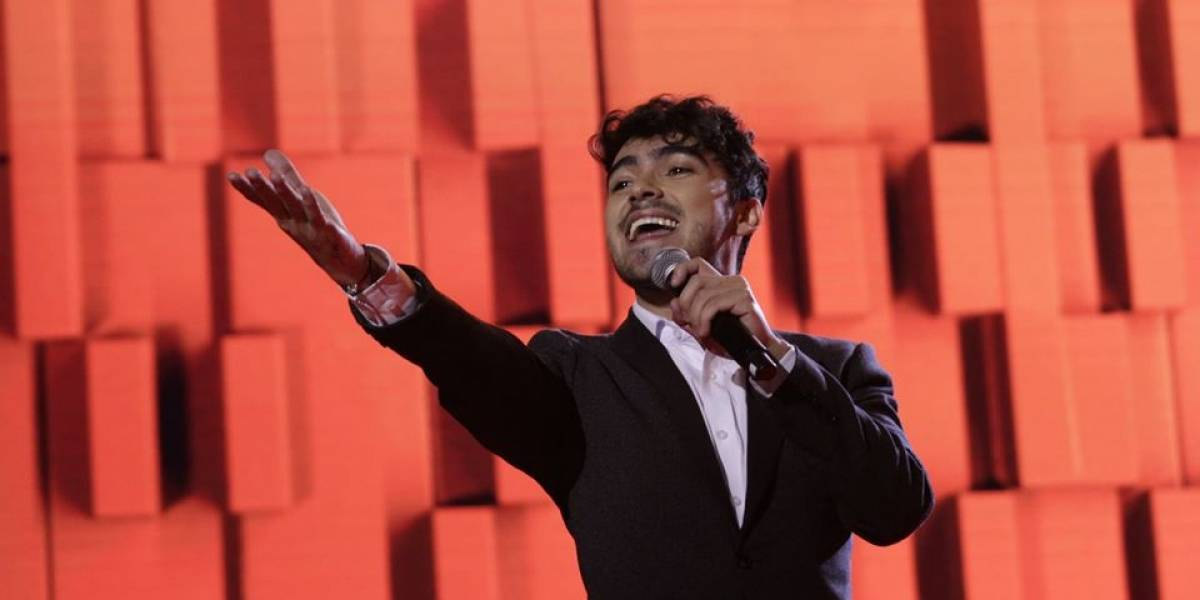 """¡Representante guatemalteco! Dennis Arana, lo más """"afinado"""" del primer concierto de La Academia"""