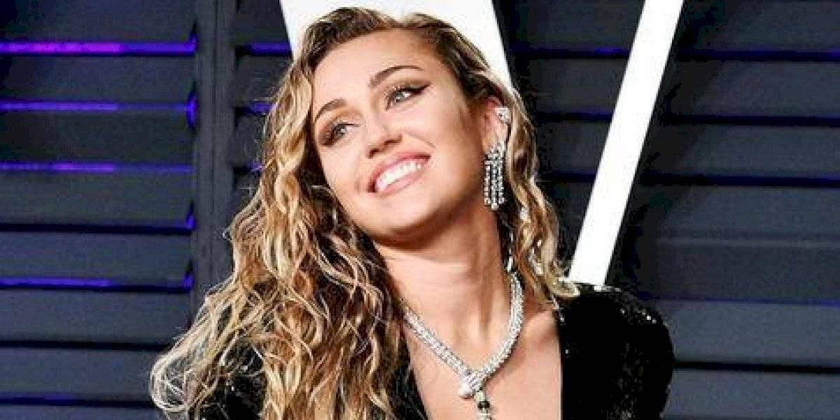 Miley Cyrus fue operada de las cuerdas vocales