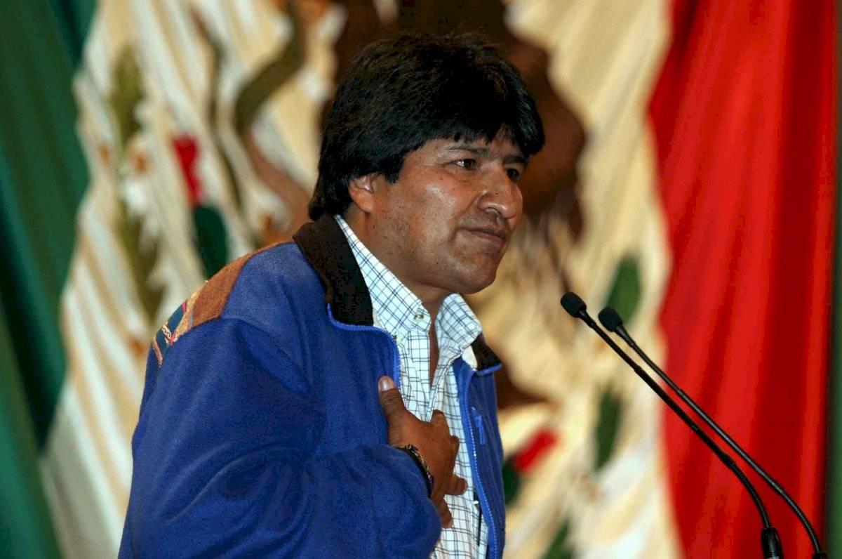 En octubre de 2003, Morales -en su calidad de diputado y líder del sindicato de los cocaleros boliviano- fue invitado por LIX legislatura mexicana para asistir a la Cámara de Diputados
