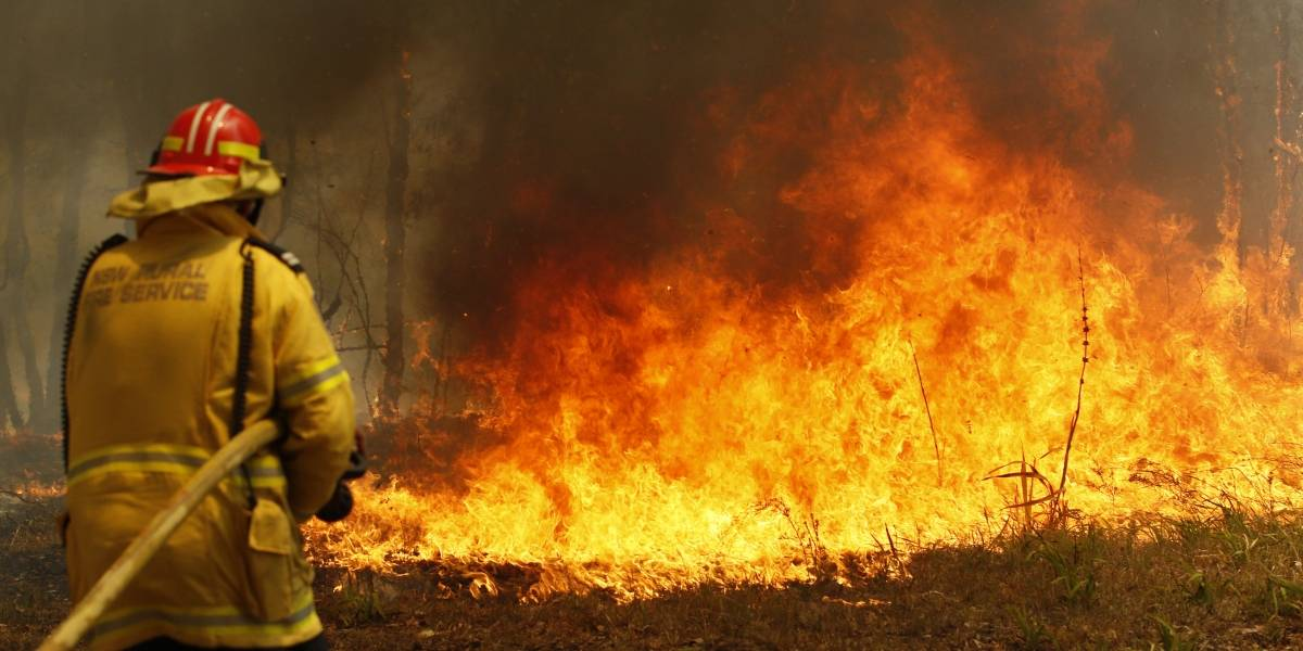 """""""Esto solo empeorará"""": infernales incendios en Australia ya están alcanzando la periferia de Sídney"""