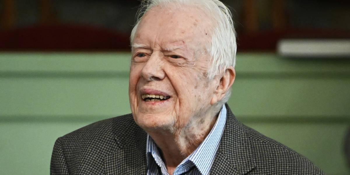 Jimmy Carter se recupera tras cirugía por presión encefálica