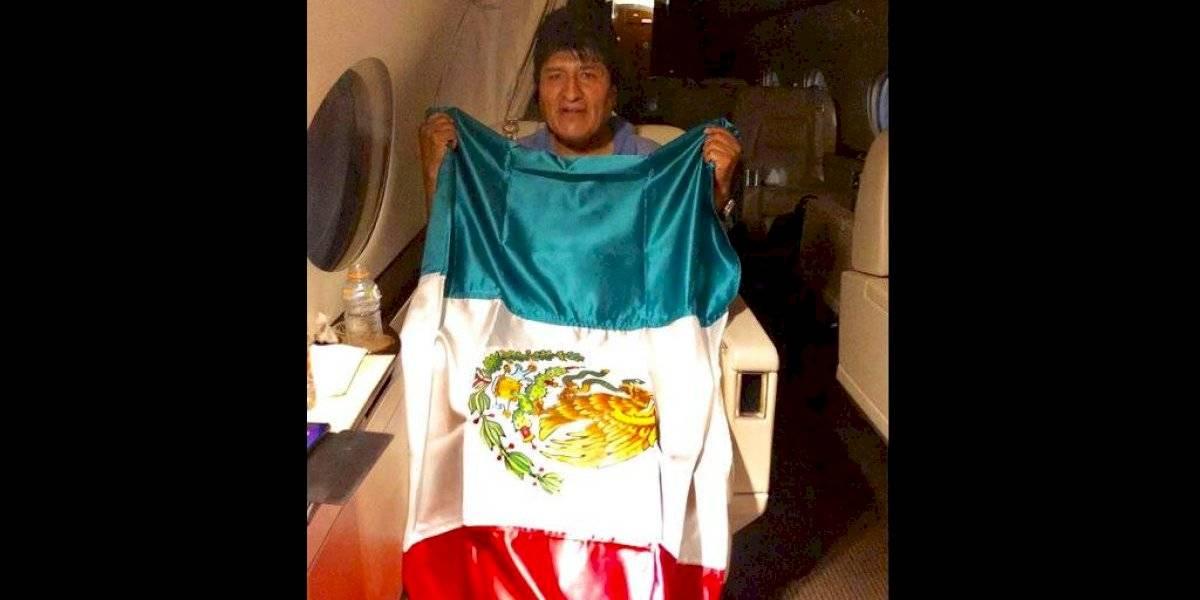 """""""Pronto volveré con más fuerza y energía"""": Evo Morales se despide de Bolivia y está viajando con destino a México"""