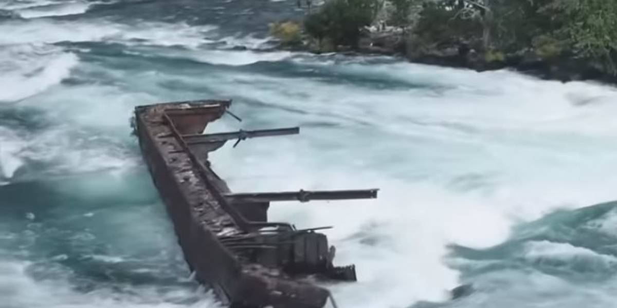 Un barco milenario emergió de las Cataratas del Niágara