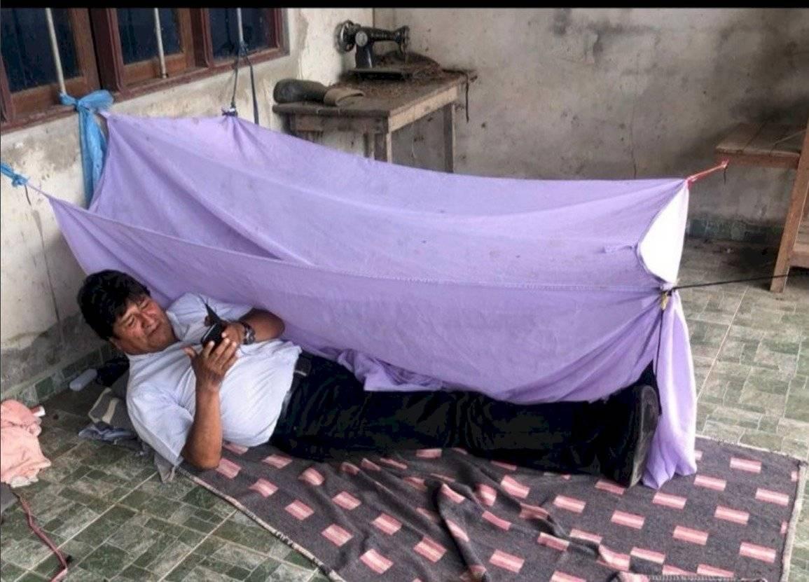 Evo Morales previo a su vuelo a México