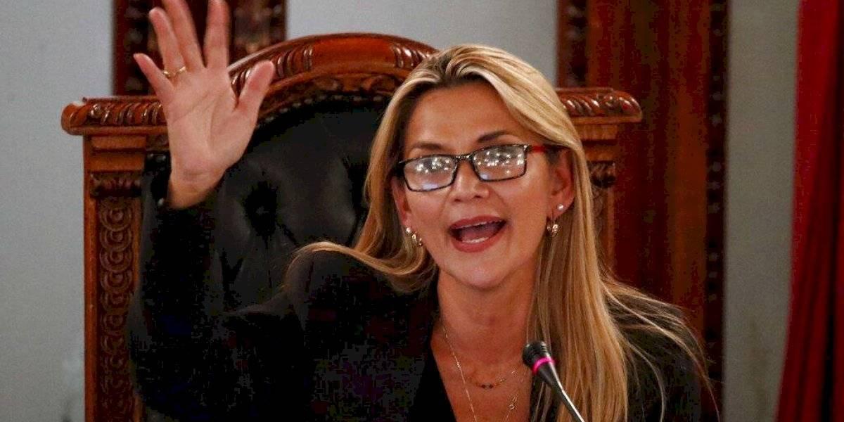 Jeanine Áñez se autoproclama presidenta interina de Bolivia