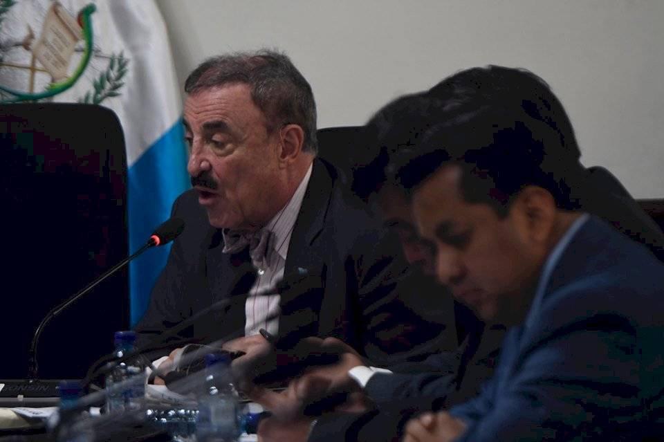 Fernando Linares Beltranena, integrante de la comisión de Derechos Humanos. Foto: Edwin Bercián