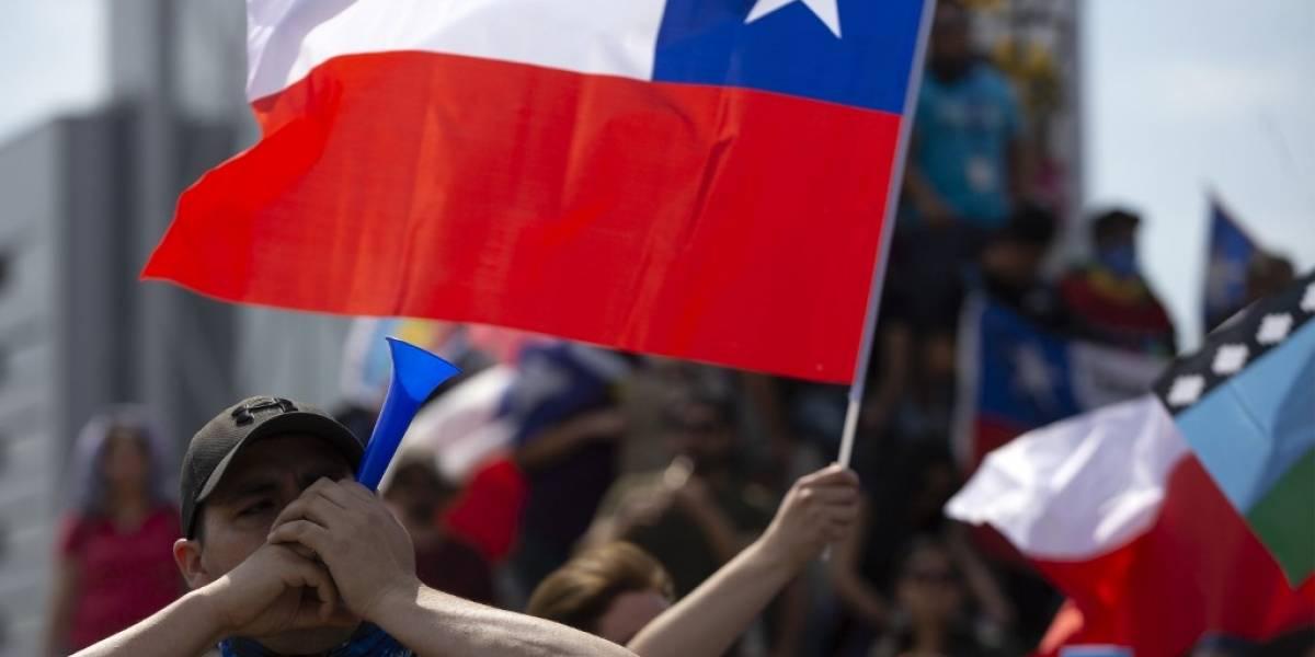 Jovenque participó en protestas en Chile queda ciego tras ser herido por perdigones