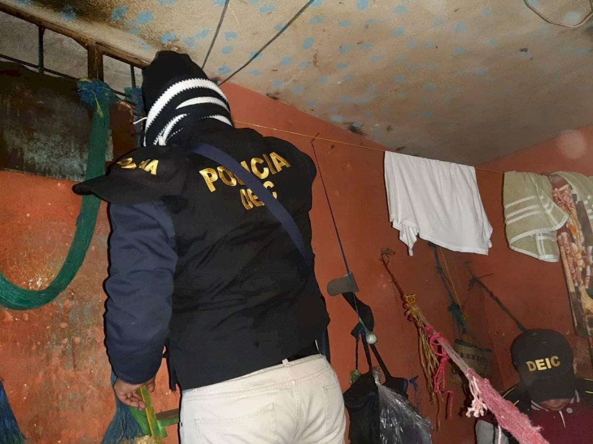 Autoridades realizan requisa en cárcel de Cantel. Foto: PNC