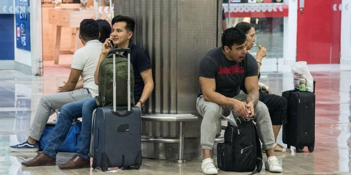 Interjet ofrece cambio de vuelos a usuarios afectados por bloqueo
