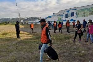 Trasladan a albergue a familias damnificadas de Ciudad Peronia