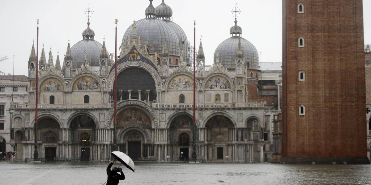 """""""Apocalipsis en Venecia"""": las impactantes imágenes de la ciudad Italiana inundada a un nivel nunca visto en más de 50 años"""