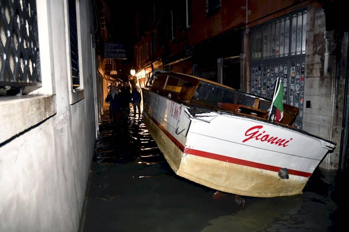 Buena parte de la ciudad se inundó ya el martes, incluida la famosa Basílica de San Marcos