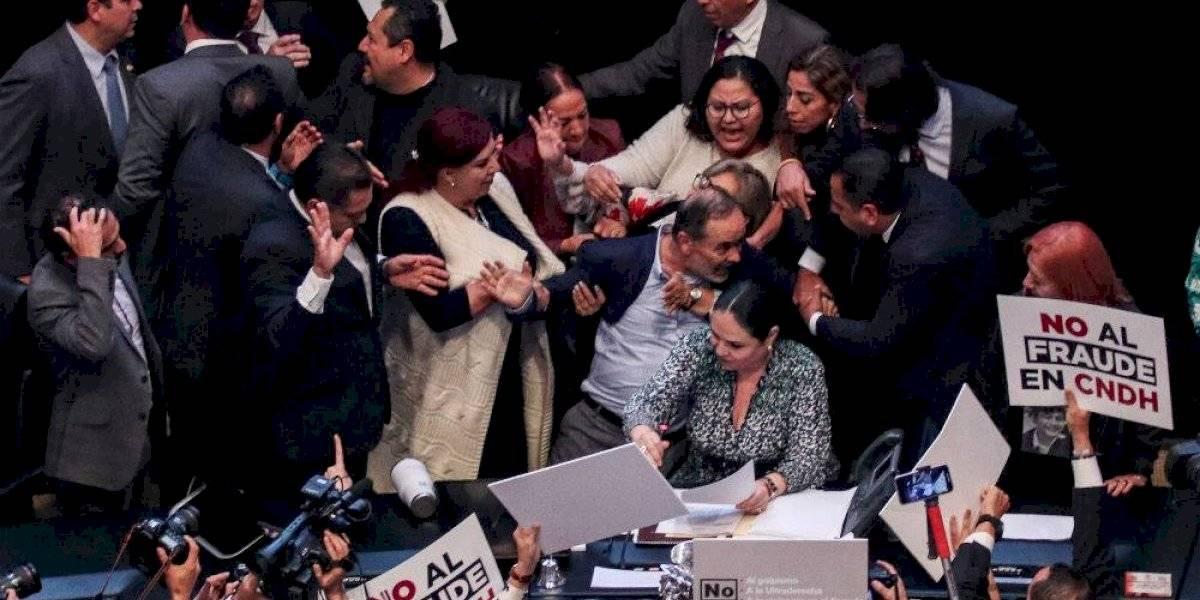 Gustavo Madero intenta impedir toma de protesta de Rosario Piedra