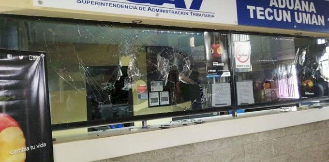 Disturbios en aduana Tecún Umán