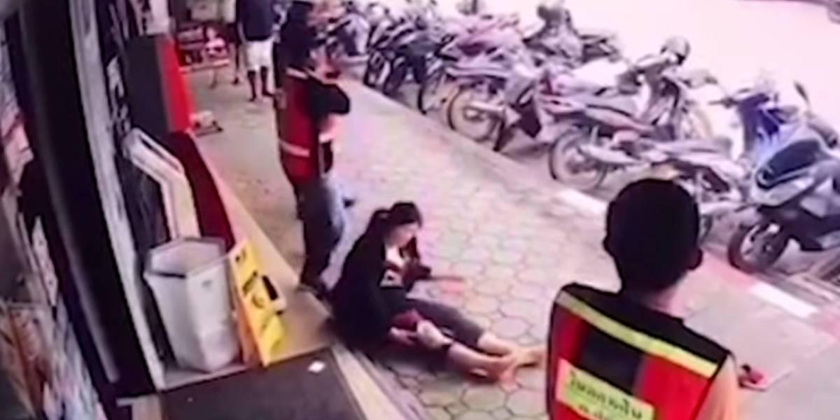 (VIDEO) A mujer le cayó cable de 22 mil voltios e increíblemente sobrevivió