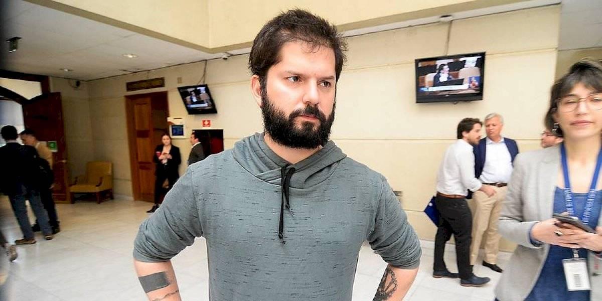"""Boric confirma que no visitará a profesor detenido por daños en estación del Metro: """"Estoy dedicado a tiempo completo a colaborar en encontrar acuerdos"""""""
