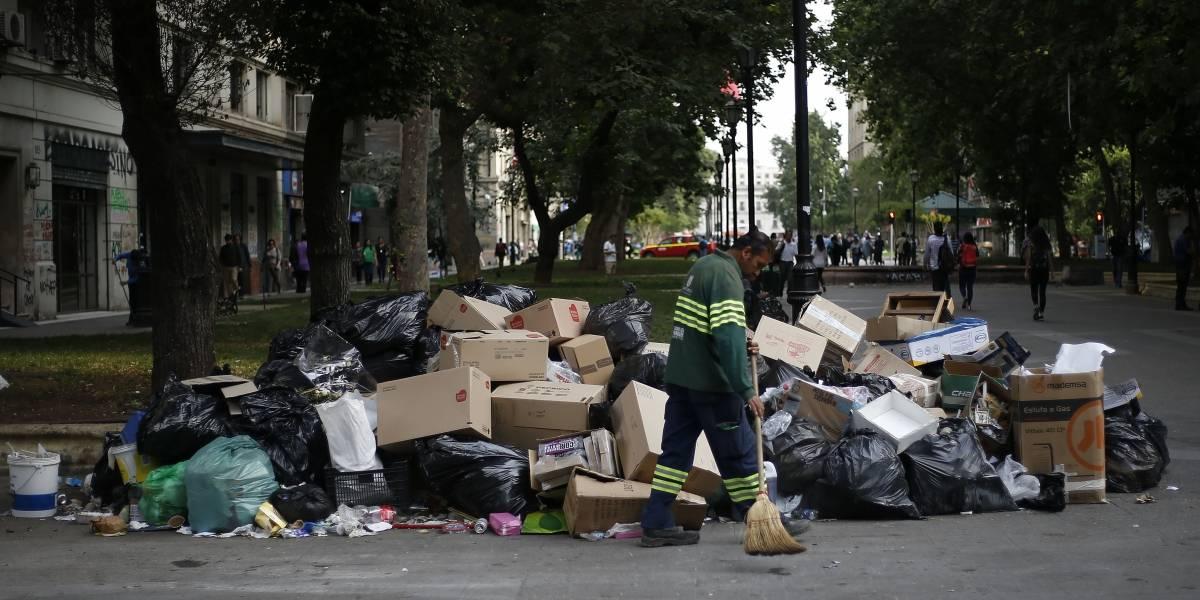 Hasta que la dignidad se haga costumbre: las miserable condiciones laborales que los recolectores de basura esperan terminar con el paro