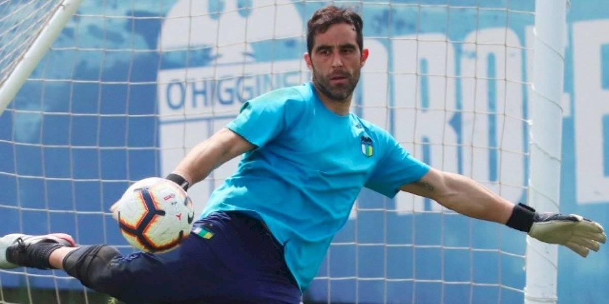 ¿Un próximo destino? Claudio Bravo sorprendió a todos al entrenar con O'Higgins tras suspensión de amistoso con Perú