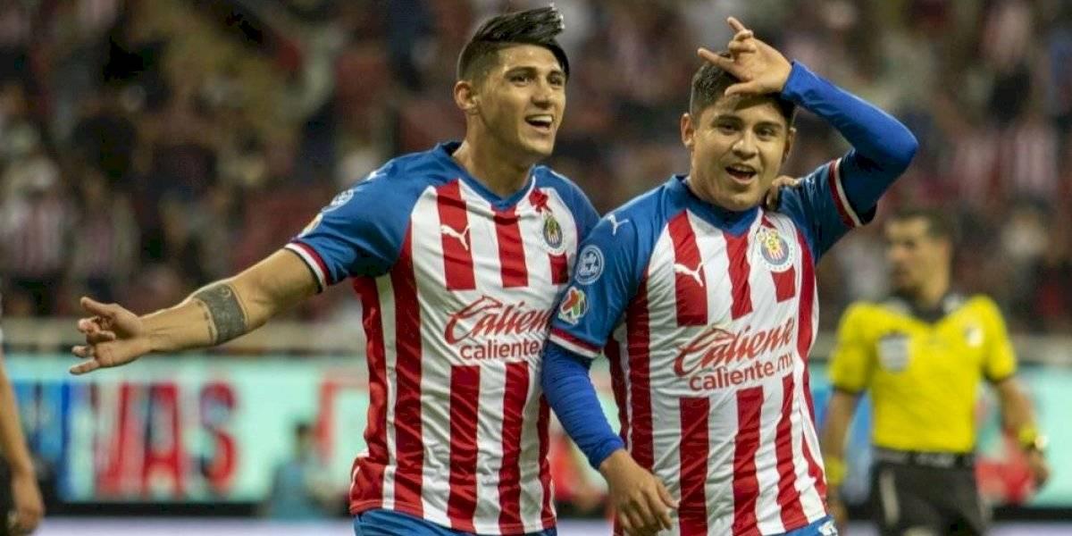 Tres jugadores de Chivas que hicieron méritos para quedarse