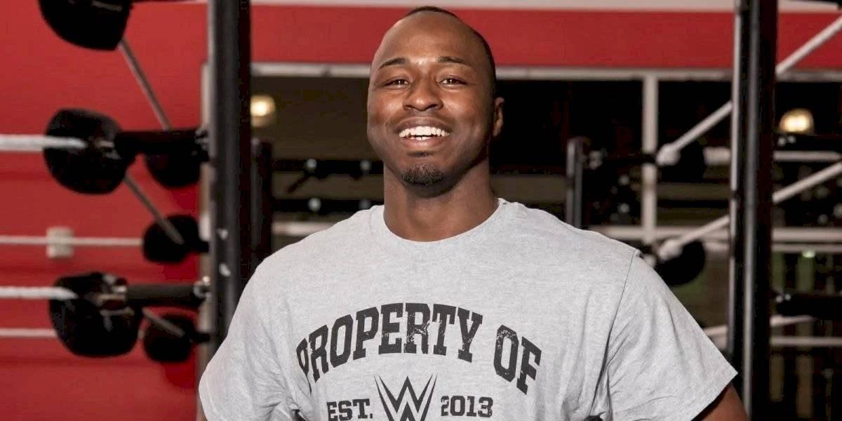 Luchador de WWE renuncia tras llamarlos racistas