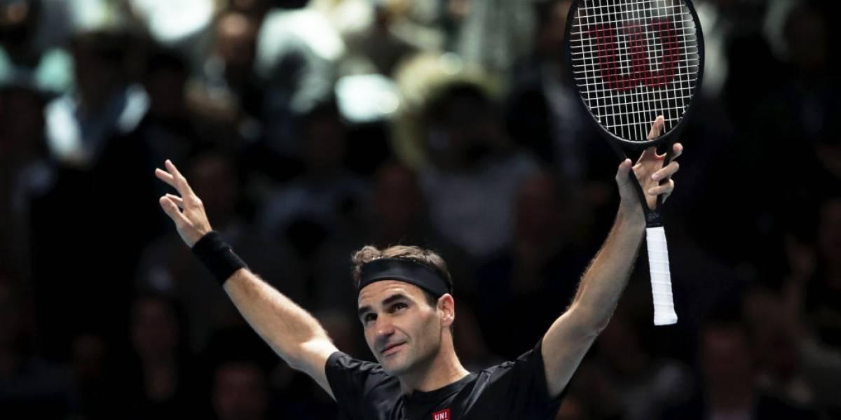 ¡Maestro! Federer derrotó a Djokovic tras cuatro años, se metió en las semifinales del Masters y le dio una mano a Nadal
