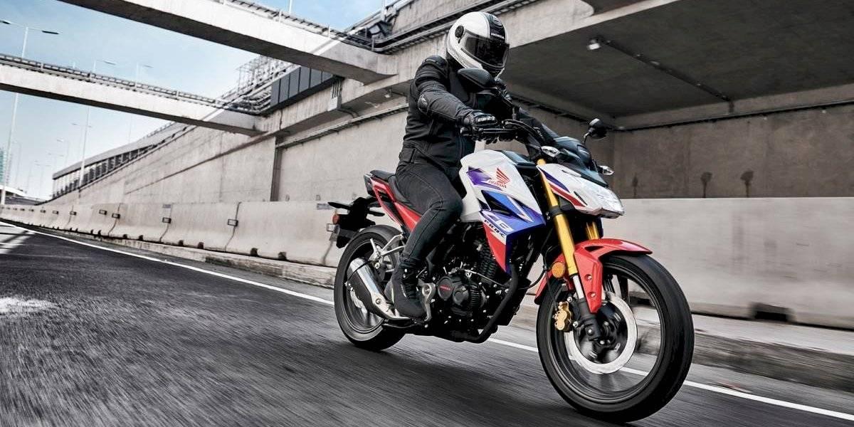 Honda actualiza su exitosa moto CB190R