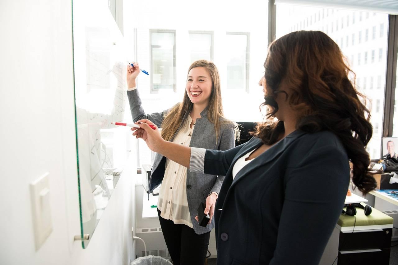 Estudio demuestra que las compañías con mujeres directoras tienen peor valoración en el mercado