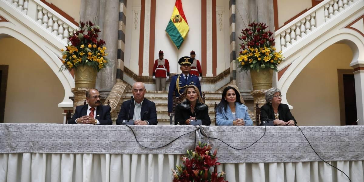 Presidenta interina autoproclamada está cambiando todo: Bolivia rompe relaciones con Venezuela acusándolo de injerencia