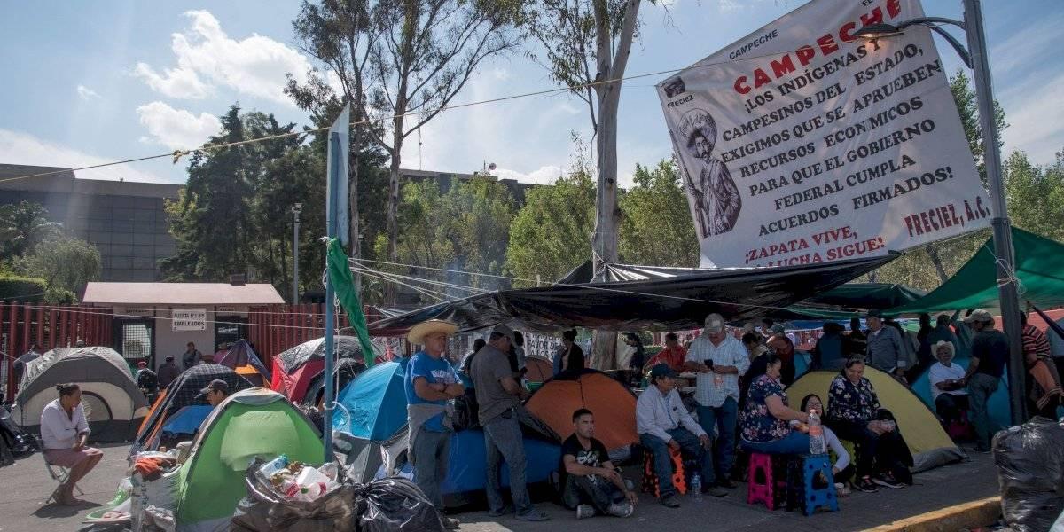 Presupuesto no permite corrupción: AMLO a campesinos que bloquean San Lázaro