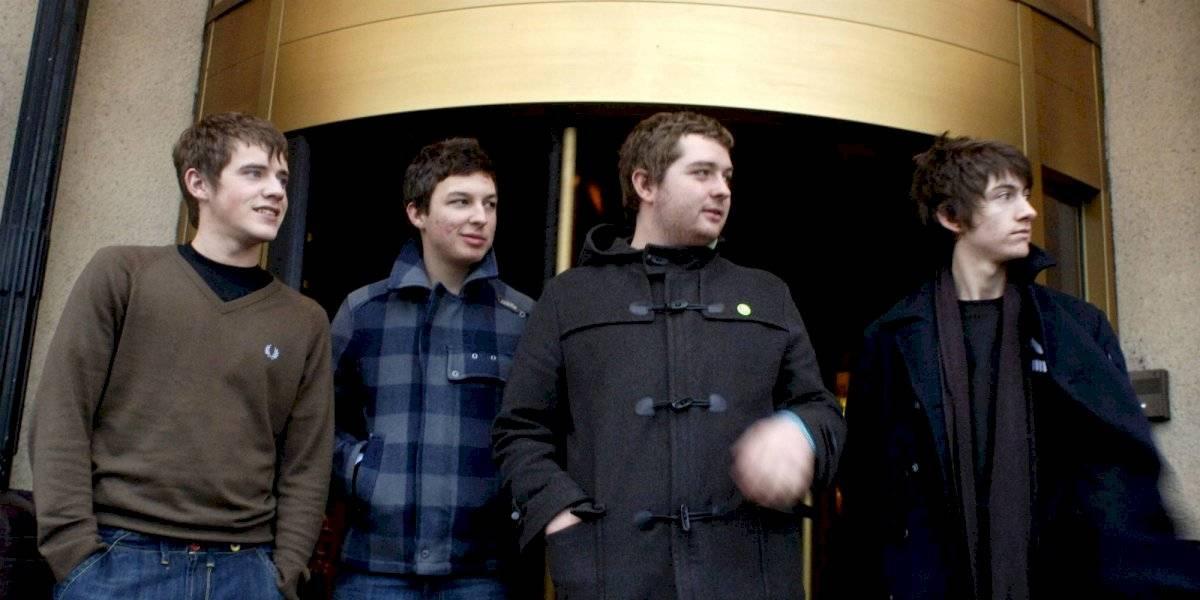 Exbajista de Arctic Monkeys pensó en suicidarse después de dejar la banda