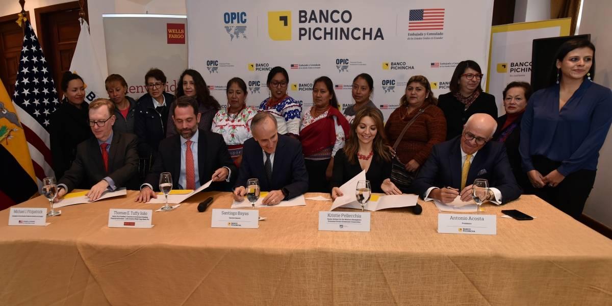 OPIC y Wells Fargo se asocian con Banco Pichincha para ampliar préstamos a mujeres en Ecuador