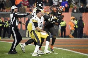 VIDEO: La intensa pelea entre Browns y Steelers durante partido de NFL