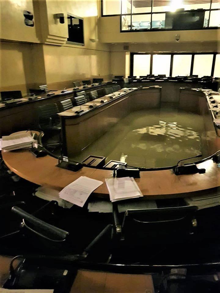 Luego de rechazar una medida contra el cambio climático, el consejo italiano se inundó completamente