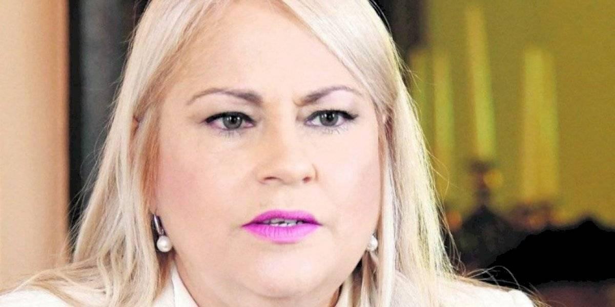 Gobernadora reacciona a pasquines en contra de su campaña