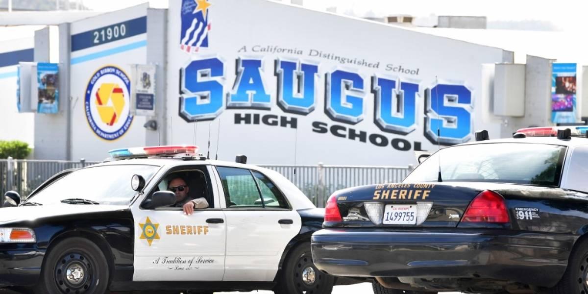 Muere autor del tiroteo de Los Ángeles mientras la policía busca sus motivos