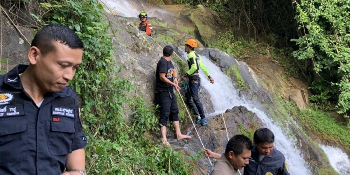Turista francés muere por hacerse una selfi en una cascada en Tailandia