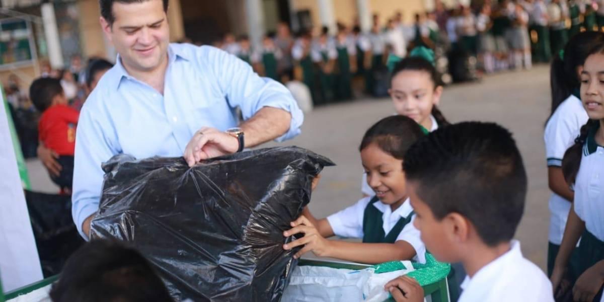 Impulsa Paco Cienfuegos el reciclaje en escuelas