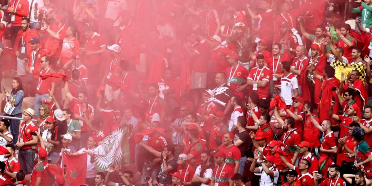 Joven muere a pedradas tras pelea entre aficionados de futbol