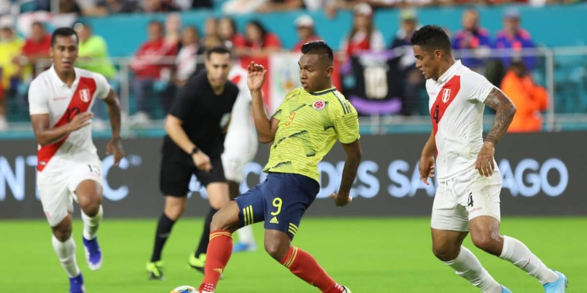 ¡Nos costó un Perú! Colombia ganó con un gol insólito (1-0)