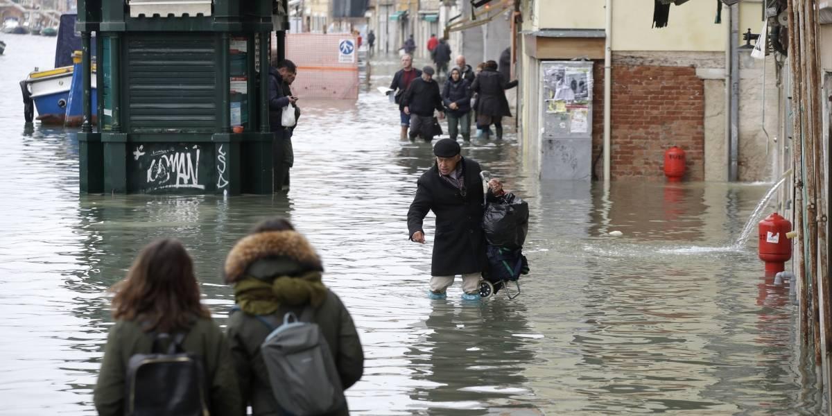 Inundación exhibe la vulnerabilidad de la histórica Venecia