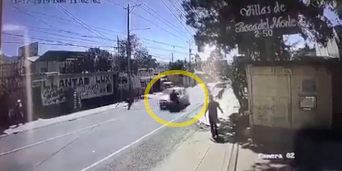 VIDEO. Violento accidente en Boca del Monte deja a dos personas heridas